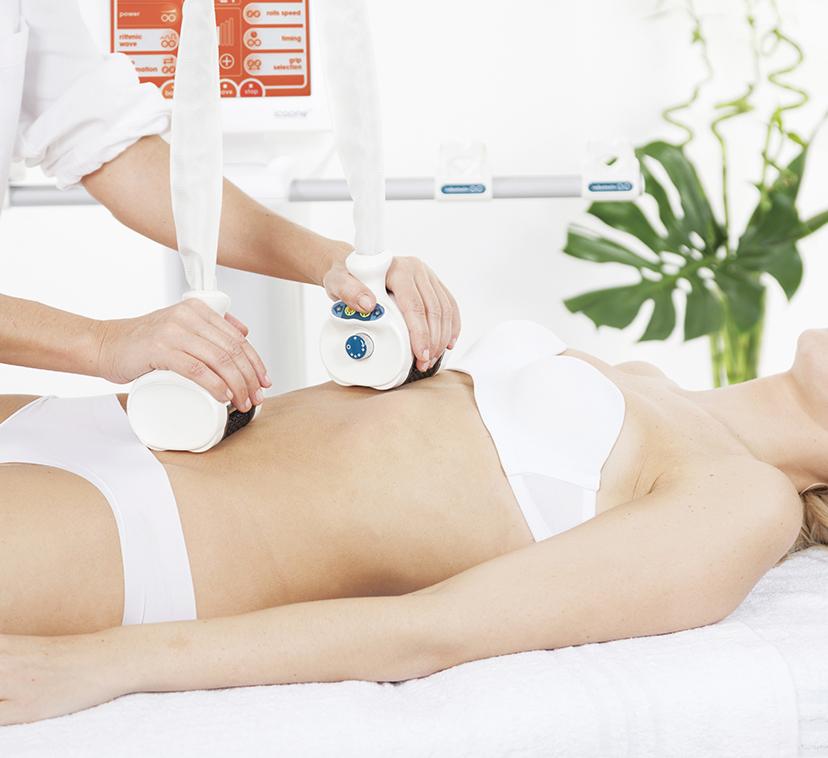 pracujące urządzenie icoone na ciele